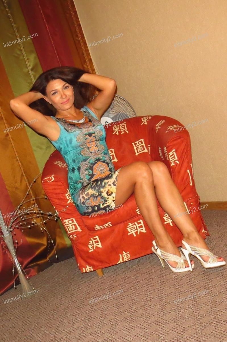 Девушка Юля